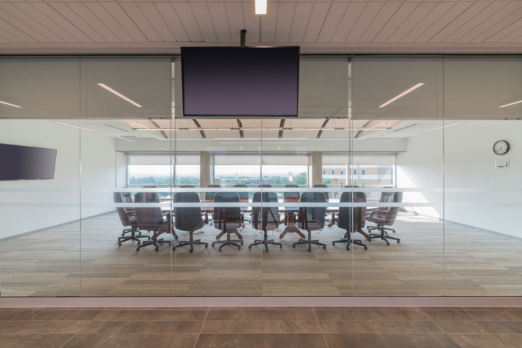 Large glazed meeting room with exterior views